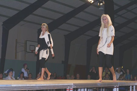 PictureLink. Picture Catwalk Felted Nice Clothes.